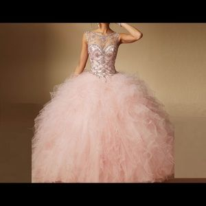 Dresses & Skirts - quince dress